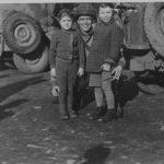 Lees het artikel: Wie zijn de kinderen op deze foto uit 1944?